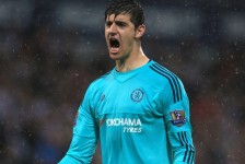 Chelsea's goalkeeper down after knee injury