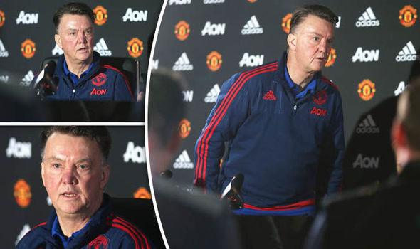 Van Gaal leaves press conference