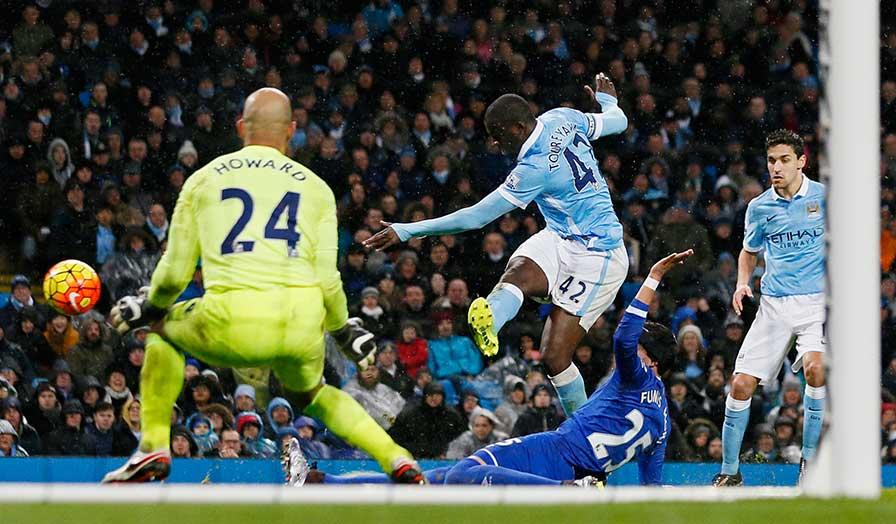 Everton keeper howard