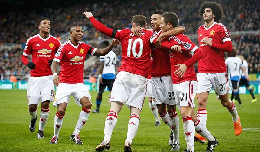 Rooney celebrates against New Castle