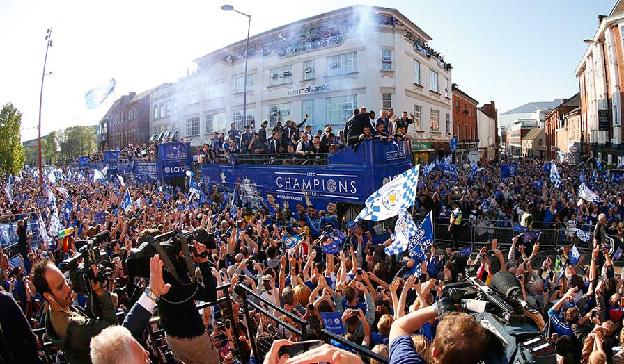 leicester city trophy parade 8