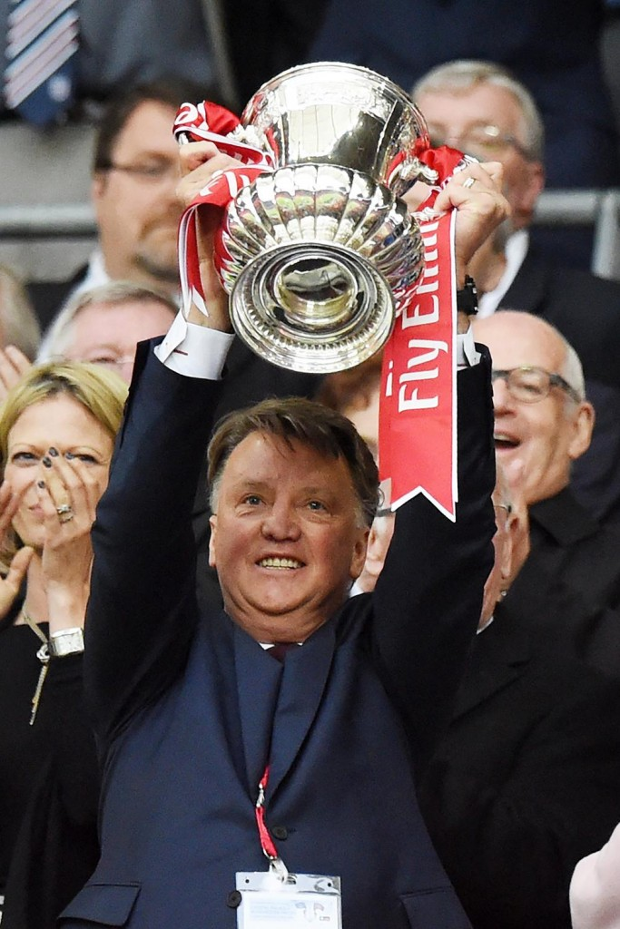 van gaal lifts fa cup