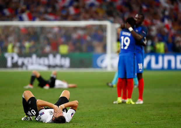 Mesut Ozil forlorn