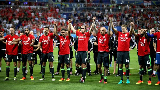 Wales say thank you to the fans