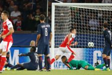 Cavani Wasteful As Arsenal Claim A Draw