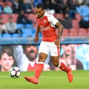 Premier League Review : Walcott On Fire While Leicester Wilt