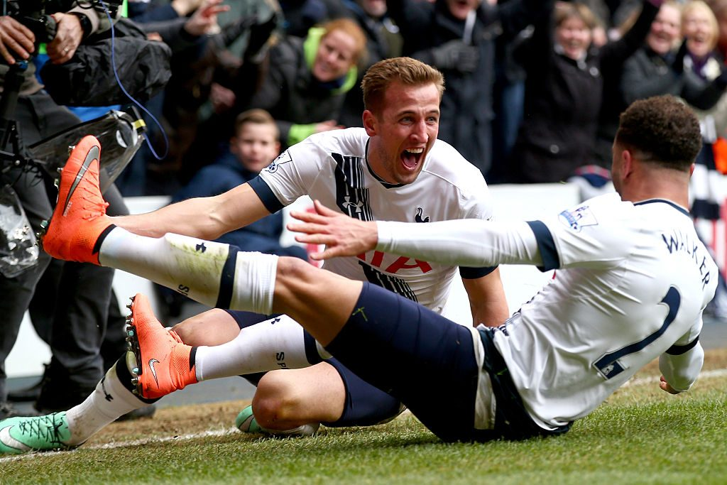 LONDON, ENGLAND - MARCH 05:  Harry Kane of Tottenham Hotspur celebrates his goal during the Barclays Premier League match between Tottenham Hotspur and Arsenal at White Hart Lane on March 5, 2016 in London, England.  (Photo by Clive Rose/Getty Images)