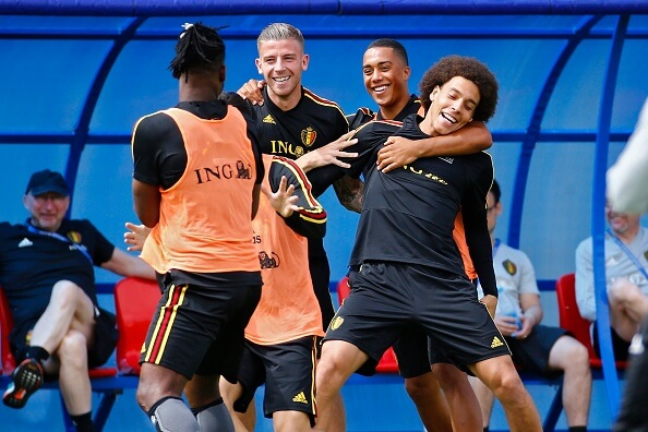 MOSCOW, RUSSIA - JUNE 21 : Toby Alderweireld defender of Belgium and Youri Tielemans midfielder of Belgium and Axel Witsel midfielder of Belgium during a training session as part of the preparation prior to the FIFA 2018 World Cup Russia group G phase match between Belgium and Tunisia at the Guchkova Sports center in Dedovsk on June 21, 2018 in Moscow, Russia, 21/06/2018 ( Photo by Jimmy Bolcina / Photonews via Getty Images)